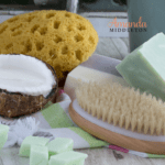 Do-It-Yourself All-Natural Feminine Wash for Everyday