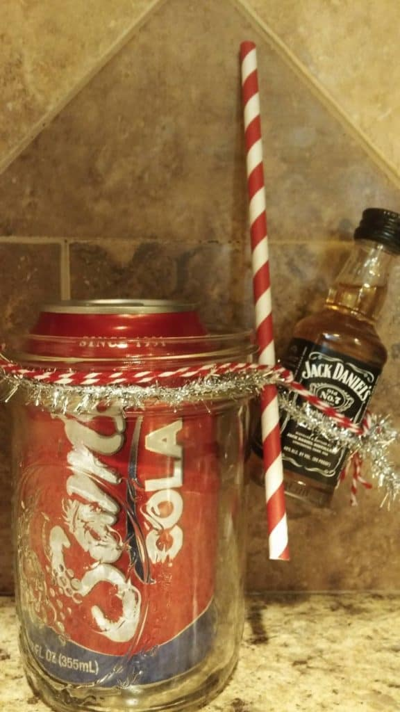 Homemade Gifts: Mason Jar Christmas Cocktail/Drinks